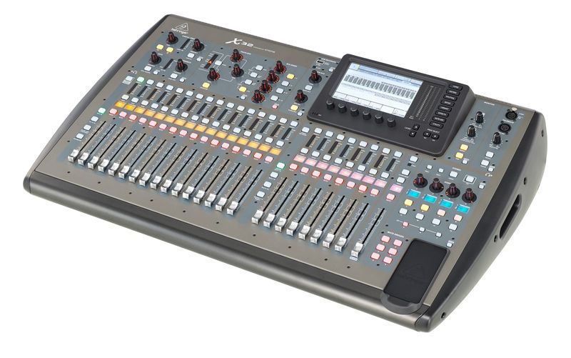 Consola Digital Behringer X32 7