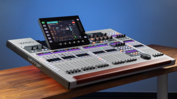 Consola Digital Behringer WING 48 canales 7